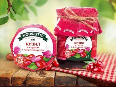 Варенье «Кизил в сиропе с лепестками роз»